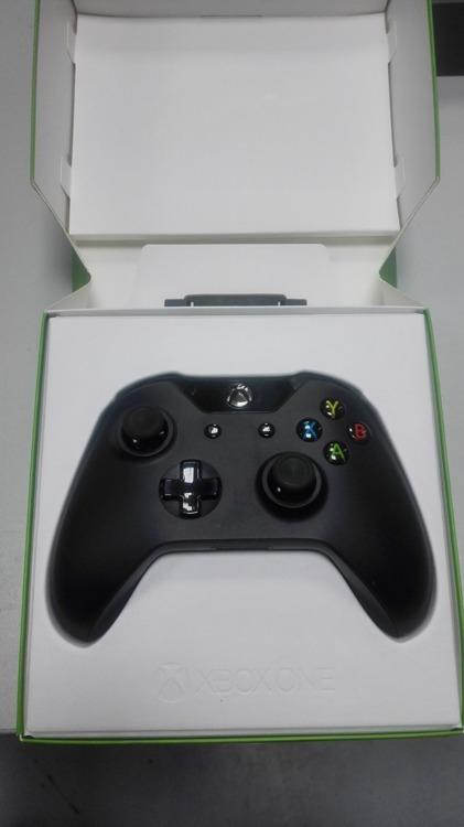 Microsoft Xbox One Wireless Controller Pad Black in box